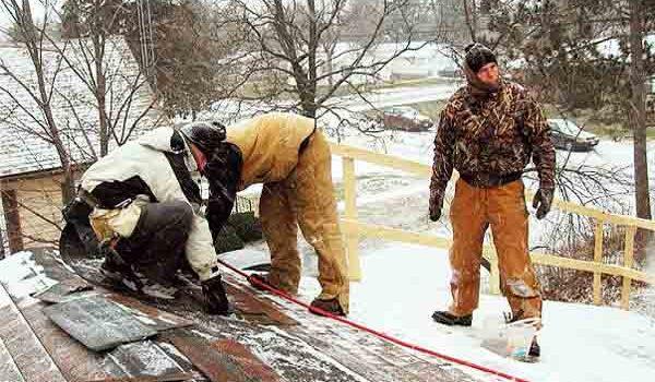 Зимний ремонт кровли крыш