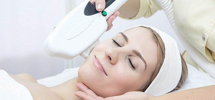 Лучшие салонные процедуры против морщин на лице