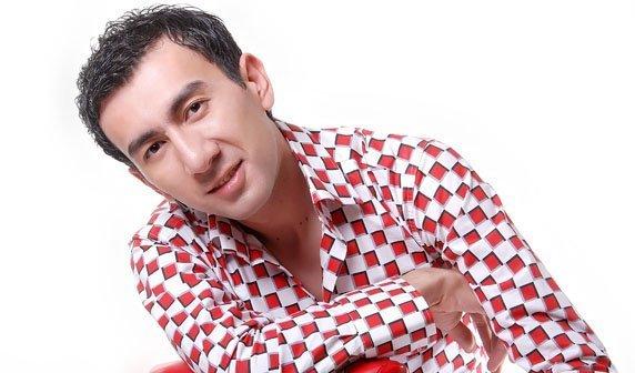 Узбекский исполнитель Ботир Кодиров