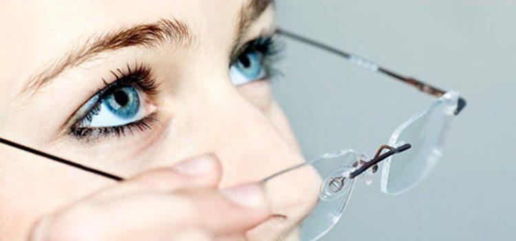Сколько ходить в очках после лазерной коррекции